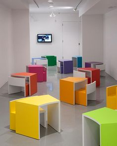 great for a kids room School Building Design, School Library Design, Playroom Design, Kids Room Design, Furniture Styles, Furniture Design, Kindergarten Interior, Preschool Furniture, Zeina