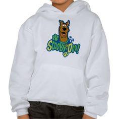 Scooby-Doo Paw Print Character Badge. Producto disponible en tienda Zazzle. Vestuario, moda. Product available in Zazzle store. Fashion wardrobe. Regalos, Gifts. #camiseta #tshirt