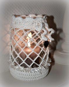 Crochet Bows, Easter Crochet, Thread Crochet, Love Crochet, Crochet Gifts, Crochet Jar Covers, Wedding Centerpieces Mason Jars, Crochet Coffee Cozy, Mason Jar Crafts