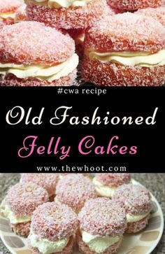 Jelly Cakes CWA Recipe A Family Favorite You'll Love This Jelly Cakes CWA Recipe is a sweet treat you'll love to eat. They are a delicious old fashioned recipe that everyone loves. Make some today! Köstliche Desserts, Delicious Desserts, Dessert Recipes, Yummy Food, Plated Desserts, Drink Recipes, Mini Cakes, Cupcake Cakes, Cupcakes