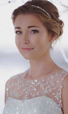 short wedding hairstyle ideas 12