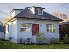 Single Family in Kelowna - keithpwatts.com - 1888 Abbott Street, $929900.00 - MLS® #: 10126969 - Contact: KEITH WATTS: 250-864-4241 - 3 Bedrooms, 3 Bathrooms, 2027 Sq Ftt - There is excellent value in this 3 bedroom, 3 bathroom home with - http://keithpwatts.com/kelowna-mls/