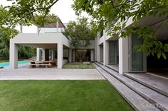 Silverhurst Residence by Saota and Antoni Associates   HomeDSGN, a daily source for inspiration and fresh ideas on interior design and home decoration.