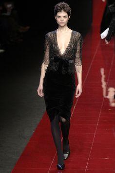Elie Saab Fall 2006 #PFW #gown #dress #black #velvet #fringe