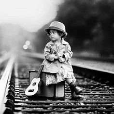 """Non disperare mai... Come ha scritto Paulo Coelho """"Il treno sbagliato ... può portarti nel posto giusto..."""" Buona settimana!  #adhocband #enjoy #live #music #rock #pensieri #mattutini #pensierimattutini #speranza #strada #vita #scelte #guerrieri #amici #buona #settimana #Padova #Verona #Vicenza #Venezia #Treviso"""