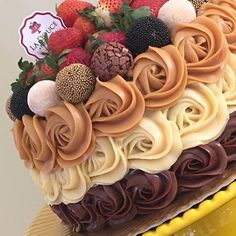 Desserts Easy Fancy Food New Ideas Cake Cookies, Cupcake Cakes, Sweet Recipes, Cake Recipes, Chocolates Gourmet, Gourmet Cakes, Just Cakes, Cake Decorating Tutorials, Drip Cakes
