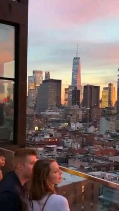 San Francisco City, San Francisco Skyline, Apartment View, Apartment Design, Beautiful Sunset, Beautiful Places, Honeymoon Island, Manhattan Nyc, Love Is In The Air