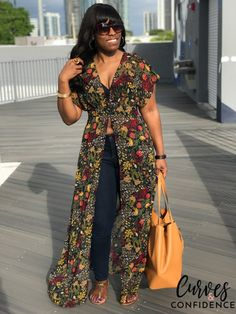 Photo Diary: Wynwood Art District - Curves and Confidence African Wear Dresses, Latest African Fashion Dresses, African Print Fashion, Curves And Confidence, Moda Afro, Dress Over Pants, Mode Kimono, African Design, Ankara Styles