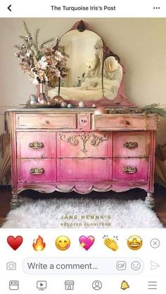 new ideas for painted furniture inspiration mirror Hand Painted Furniture, Distressed Furniture, Funky Furniture, French Furniture, Paint Furniture, Upcycled Furniture, Shabby Chic Furniture, Furniture Projects, Shabby Chic Decor