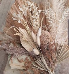 Dried palm flower arrangement dried flowers bouquet large dry arrangement natural home palms frond pampas grass boho neutral large palms – Dried Flowers – edesign Dried Flower Bouquet, Dried Flowers, Gift Flowers, Floral Wedding, Wedding Flowers, Boho Wedding, Fall Wedding, Rustic Wedding, Destination Wedding