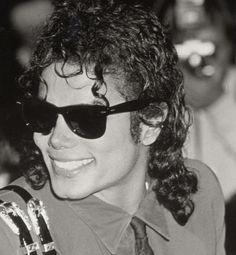 Michael jackson, The Michael Jackson Story, Photos Of Michael Jackson, Mike Jackson, Beautiful Person, Beautiful Smile, Most Beautiful, Bad Michael, Mj Bad, King Of Music