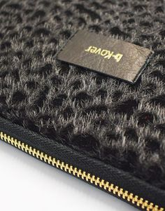 funda-portatil-leopardo-negro-2 Continental Wallet, Collection, Fashion, Notebook Covers, Black, Moda, Fashion Styles, Fashion Illustrations, Fashion Models