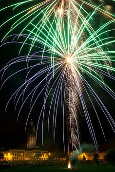 Kermis in Zutphen, het jaarlijkse vuurwerk aan de IJsselkade.