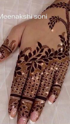 Latest Simple Mehndi Designs, Finger Henna Designs, Henna Tattoo Designs Simple, Back Hand Mehndi Designs, Stylish Mehndi Designs, Latest Bridal Mehndi Designs, Full Hand Mehndi Designs, Henna Art Designs, Mehndi Designs For Beginners