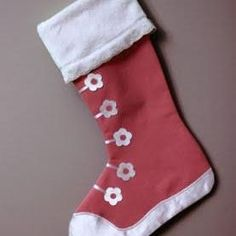 Google Image Result for http://static.tipjunkie.com/resize/277x277/r/christmas.tipjunkie.com/wp-content/christmas-thumbs/tennis-shoe-stocking-free-pattern.jpg
