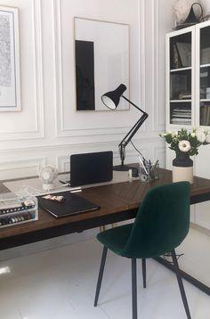 Small Office Desk, Office Printers, Oak Desk, Desk Fan, Best Desk, Work From Home Tips, Architecture Plan, Home Office Design, Home Hacks