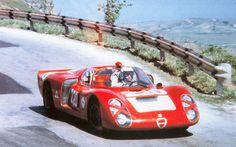 ...il casco indossato nel 1968 quando Nino passo all'Alfa sembra ripetere i colori del 1967.