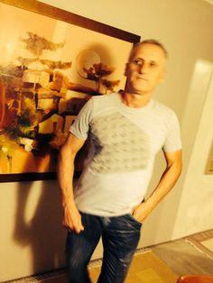 http://heroina-alexandrelinhares.blogspot.com.br/2014/04/eduardo-veste-heroina-alexandre-linhares.html  Eduardo veste Heroína - Alexandre Linhares