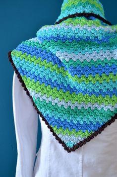 Kijk wat ik gevonden heb op Freubelweb.nl: een mooie ByClaire omslagdoek! #haakpatroon http://www.freubelweb.nl/freubel-zelf/zelf-maken-met-haakkatoen-713/