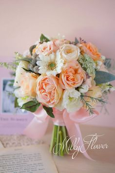 Cream and peach bouquet Peach Bouquet, Hand Bouquet, Peach Flowers, Flower Bouqet, Flower Bouquet Wedding, Floral Wedding, Wedding Flower Arrangements, Floral Arrangements, Flower Decorations