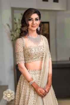 Indian Bridal Outfits, Indian Bridal Fashion, Indian Fashion Dresses, Indian Designer Outfits, Bridal Dresses, Designer Dresses, Pakistani Clothing, Indian Clothes, Designer Sarees
