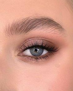 Makeup Eye Looks, Cute Makeup, Simple Makeup, Skin Makeup, Eyeshadow Makeup, Crazy Eyeshadow, Gel Eyeliner, Glitter Eyeshadow, Colorful Makeup