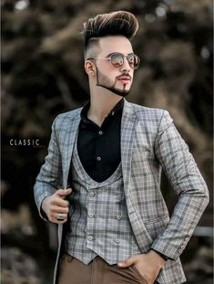 Boys Fall Fashion, Mens Fashion Wear, Trendy Mens Hairstyles, Boy Hairstyles, Stylish Girls Photos, Stylish Boys, Beard Styles For Men, Hair And Beard Styles, Korean Men Hairstyle