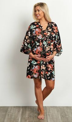 A floral maternity robe to make sure your visit during and after the hospital is comfortable and stylish. This robe will make you feel beautiful through all of motherhood's transitions. With the gorgeous hues, feminine design, and lightweight material, you can have a beautiful piece to keep cool in.