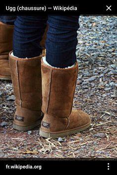 """Chaussure au nom de """"ugg"""" chaude pour les saisons hivernales reviennent pour cette hiver❄️"""