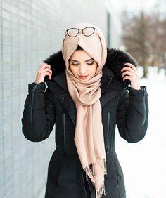 حجاب bushra like hijab life Fashion in 2019 fashion habit vs hijab - Hijab Hijab Niqab, Hijab Chic, Beautiful Muslim Women, Beautiful Hijab, Hijab Dress, Hijab Outfit, Ootd Hijab, Cardigan Outfits, Abaya Fashion