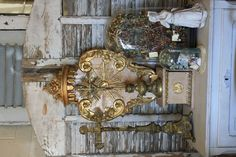 """Previous pinner, """" Sacred art whether you're religious or not adds a touch of mysticism and even elegance. Religious Icons, Religious Art, Vintage Love, Shabby Vintage, Shabby Chic, Home Altar, Heart And Mind, Sacred Art, Catholic"""