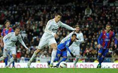 CR7 casi infalible desde los 11 metros                El '7' merengue suma 21 goles de penalti de forma consecutiva. En el Real Madrid ha marcado 24 de 25. El récord es de Koeman, con 25 penalties transformados seguidos
