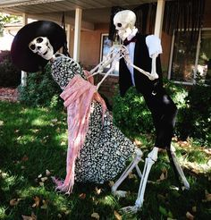 This dancing duo is sure to make trick-or-treaters stop by your door!