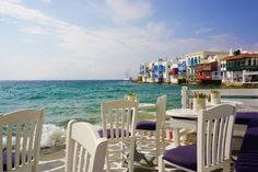 The land of Gods: Athens and Mykonos - Backpack Globetrotter Mykonos Town, Outdoor Furniture Sets, Outdoor Decor, White Houses, Sandy Beaches, Athens, Venice, Greece, Backpack