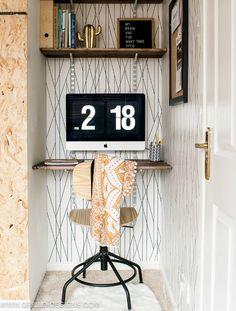 Mini wallpapered desk space in small bedroom makeover / Grillo Designs www.grillo-designs.com