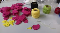 Luxo de Lixo Arte e Criação Linha de bordado e feltro... Birds em ação... =)