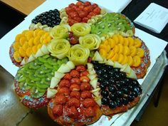 Adorable Food Decoration: How you can make your food appetizing & tempting very quickly for your guests & children? Just check out the ideas of food decoration which I am going to show belo… Party Food Platters, Food Trays, Fruit Recipes, Appetizer Recipes, Healthy Recipes, Appetizer Ideas, Healthy Lunches, Detox Recipes, Healthy Pizza
