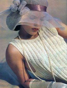 Hat & pearls