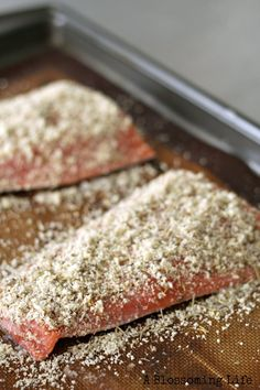 Italian Almond Crusted Salmon {Paleo & Whole30 Approved} This salmon recipe is super quick, easy, and absolutely delicious!