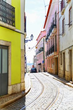 What to see and do in beautiful Lisbon, Portugal #travelguide
