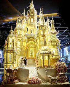 Huge Wedding Cakes, Castle Wedding Cake, Extravagant Wedding Cakes, Wedding Cake Fresh Flowers, Luxury Wedding Cake, Amazing Wedding Cakes, Elegant Wedding Cakes, Wedding Cake Designs, Amazing Cakes