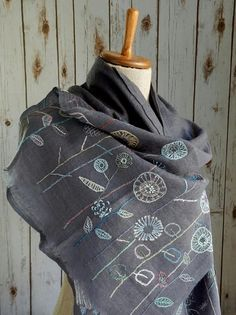 """I could do this """"Les Simples"""" Scarf - grey Embroidery Scarf, Sashiko Embroidery, Floral Embroidery, Beaded Embroidery, Cross Stitch Embroidery, Embroidery Patterns, Hand Embroidery, Embroidered Clothes, Shawls And Wraps"""