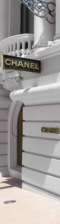 Mademoiselle Coco Chanel, Chanel Boutique, Chanel Resort, Chanel Logo, My Life Style, French Fashion Designers, Facade Design, Chanel Spring, Love To Shop