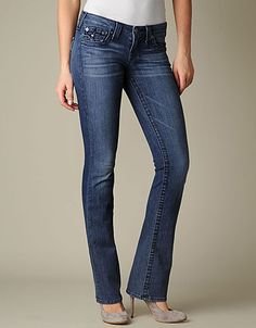 The beloved Billy is back in a new wash worth lusting over. This classic straight leg jean with traditional five pocket styling features tonal...