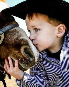 Little cowboy. Reminds me of my son and his pony when he was little. Little Cowboy, Cowboy And Cowgirl, Cowboy Baby, Camo Baby, Baby Pictures, Cute Pictures, Animals For Kids, Cute Animals, Cute Kids