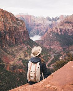 "Alexandra Taylor en Instagram: ""Caught between a rock and a hard place."""