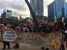 Una Luz por Ayotzinapa. A un mes de los hechos la sociedad mexicana continúa exigiendo justicia.