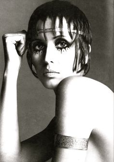 Julie Driscoll, photograph by Richard Avedon for Vogue 1969.
