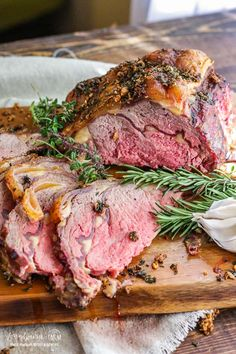 The best prime rib recipe is juicy, flavorful, and so easy to make. Get a perfect prime rib roast every time with this method! Learn how to season prime rib and the right technique for roasting it in the oven so it turns out perfectly every single time. Prime Rib Recipe Oven, Ribs Recipe Oven, Rib Recipes, Easy Chicken Recipes, Healthy Recipes, Game Recipes, Healthy Food, Thanksgiving Dinner Recipes, Thanksgiving Turkey
