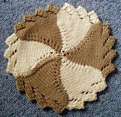 sew-funky: The Cotton Dishcloth and one of my own design - The Circular Saw! Knitted Dishcloth Patterns Free, Knitted Washcloths, Crochet Dishcloths, Knitting Patterns Free, Crochet Patterns, Free Pattern, Lace Knitting, Knitting Stitches, Halloween Knitting Patterns